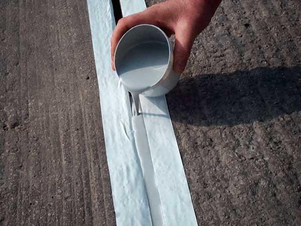 ماستیک پلی اورتان درزبندی دوجزیی جهت درزبندی و آب بندی محل درز و کاتر بتن در کف